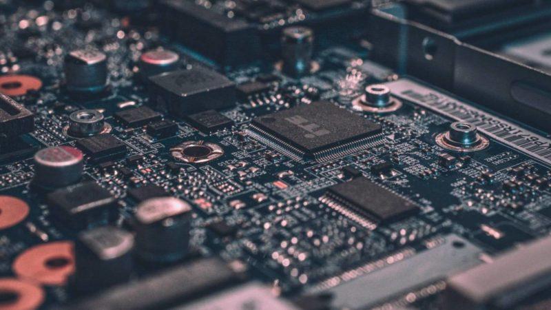 Il Coronavirus spaventa ancora l'industria tech cinese
